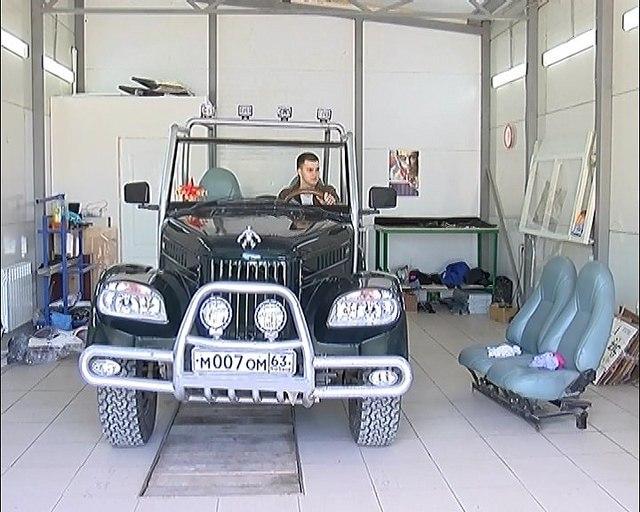 В Сызрани отреставрировали ГАЗ-69, сделав из него кабриолет-внедорожник