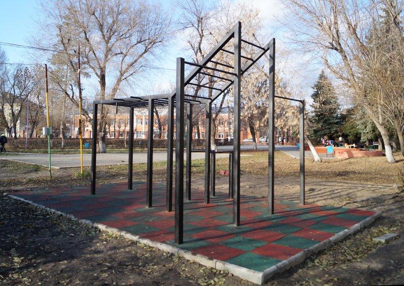 В парке «Гномик» завершены работы по строительству площадки для воркаута